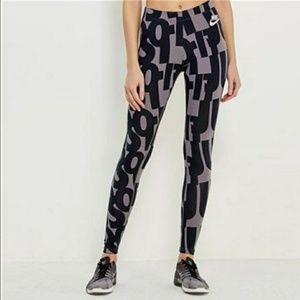 NWT Nike Logo Sportswear Legging